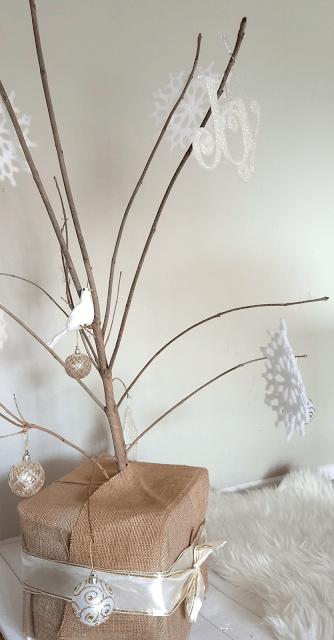 Minimalist Christmas Tree, Unique Christmas Tree, Rustic Christmas Tree, Budget-friendly Christmas Tree, Burlap Christmas Tree, Dollar Tree Christmas Ornaments